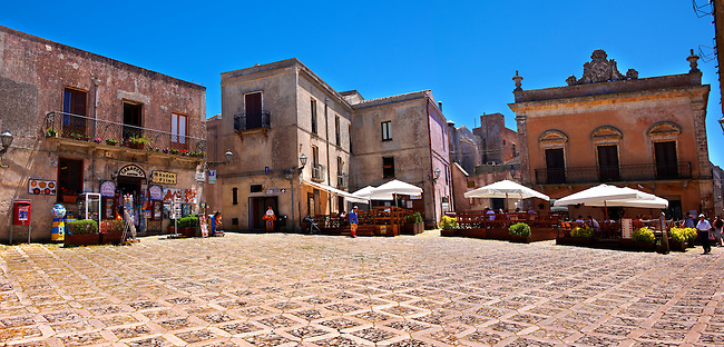 Plazza Umberto,  Érice, Erice, Sicily stock photos.