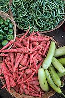 Asie/Inde/Rajasthan/Udaipur: Marché Mandi - Détail étal de légumes