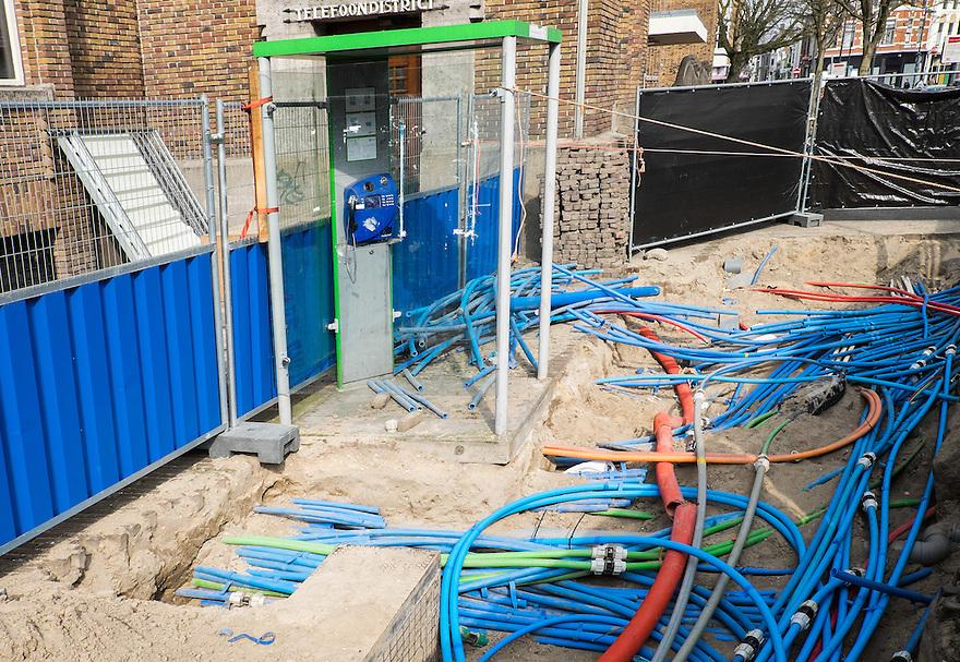 Nederland, Utrecht, 26 maart 2015<br /> Ondergrondse leidingen voor telecommunicatie liggen bloot vanwege werkzaamheden.<br /> Foto: (c) Michiel Wijnbergh