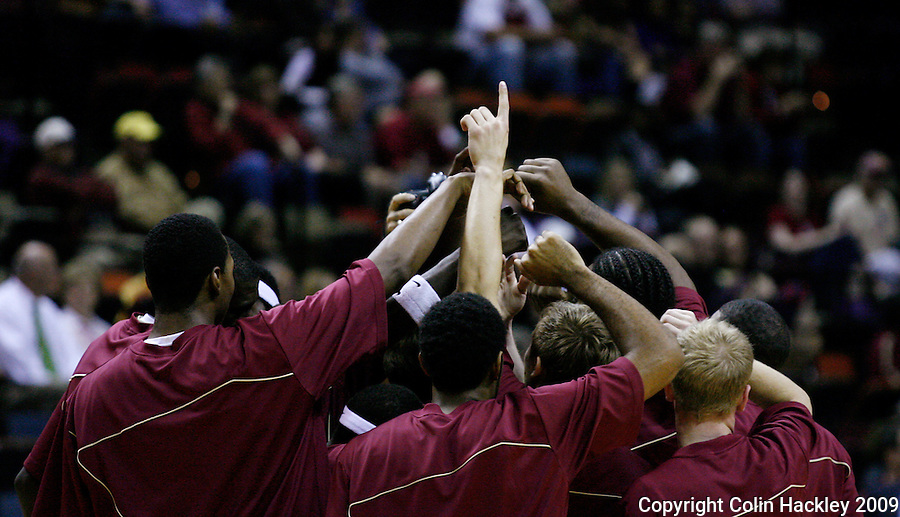 TALLAHASSEE, FL 11/16/09-FSU-JU BB09 CH41-Florida State's huddles up prior to the Jacksonville University game Monday at the Donald L. Tucker Center in Tallahassee...COLIN HACKLEY PHOTO