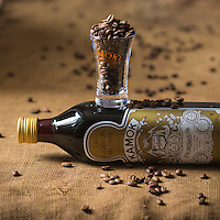 Europe, France, Pays de la Loire, 85, Vend&eacute;e, Lu&ccedil;on: Liqueur de caf&eacute; Kamok //  Europe, France, Pays de la Loire, Vendee, Lu&ccedil;on: Coffee Liqueur Kamok<br /> - Stylisme : Val&eacute;rie LHOMME