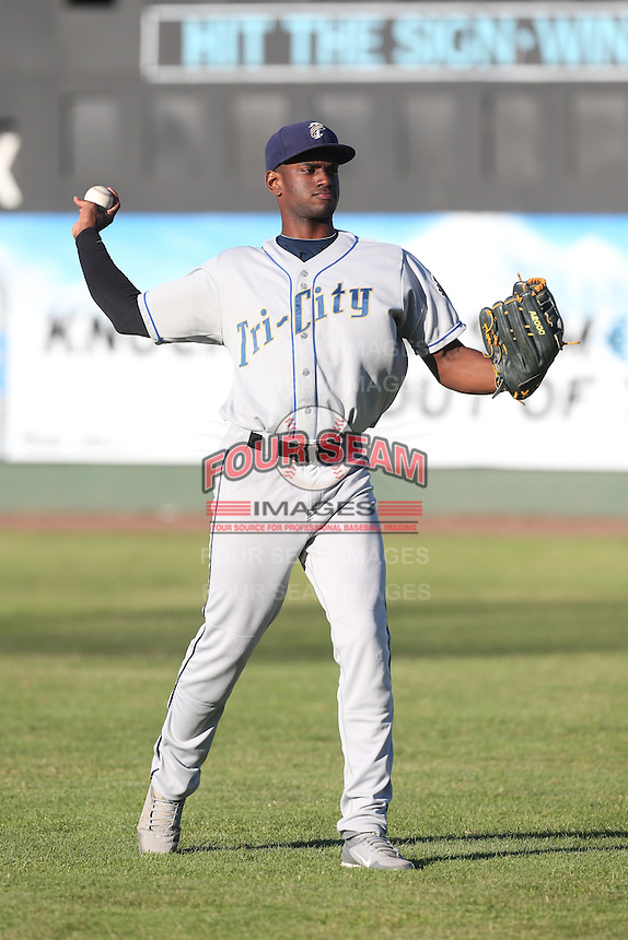 Denzel Richardson #24 of the Tri-City Dust Devils during a game against the Everett AquaSox at Everett Memorial Stadium on July 29, 2014 in Everett, Washington. Everett defeated Tri-City, 7-5. (Larry Goren/Four Seam Images)