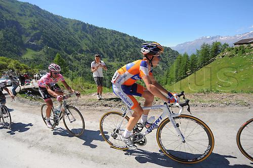 28.05.2011 Giro d Italia Stage 20 Verbania to Sestriere. Picture shows Contador Alberto and Kruijswijk Steven on the Colle Delle Finestre.