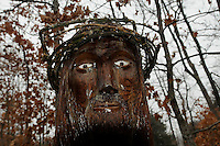 STAFF PHOTO FLIP PUTTHOFF <br /> Knapp carved his stature of Jesus Christ      Dec. 2 2014     from a red-oak stump.