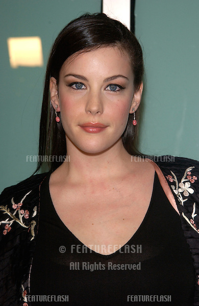Actress LIV TYLER at the Los Angeles premiere of her new movie The Lord of the Rings: The Two Towers..15DEC2002.   © Paul Smith/Featureflash