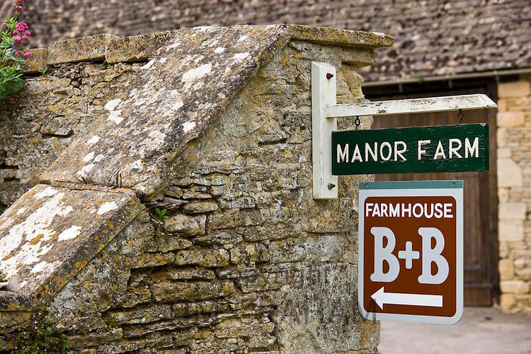 Manor Farm B & B Guest House in Kelmscott, The Cotswolds, Gloucestershire, UK