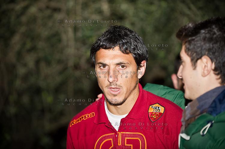 PESCARA (PE) - CALCIO SERIE A CAMPIONATO 2012 - 2013: L'AS ROMA ARRIVA A PESCARA. NELLA FOTO BURDISSO ROMA.FOTO DI LORETO ADAMO