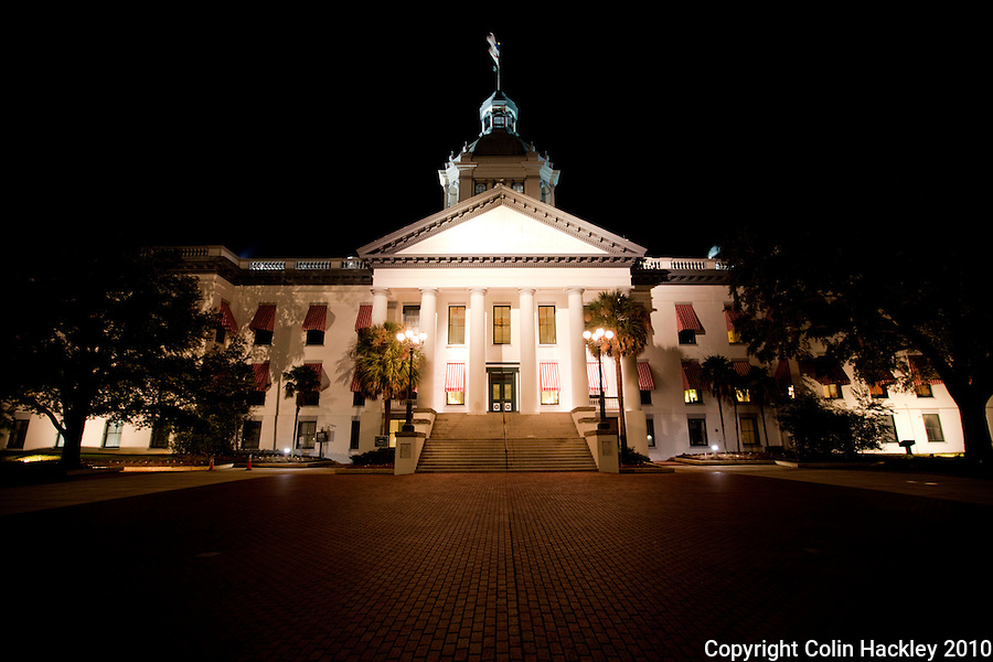 TALLAHASSEE, FLA. 11/16/10-OLD CAPITOL 111610 CH01-The Old Capitol of Florida as seen from the courtyard at night in Tallahassee, Fla...COLIN HACKLEY PHOTO