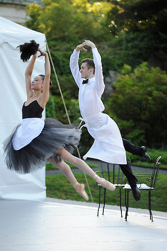 Likolani Brown and Devan Alberda wancers with Tom Gold Dance  on stage in the garden  at the Pocantico Center of the Rockefeller Brothers Fund