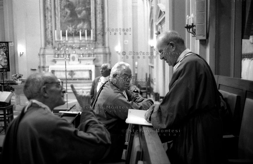 Roma 1998.Arciconfraternita del Santissimo Sacramento nella Patriarcale basilica di San Pietro in Vaticano