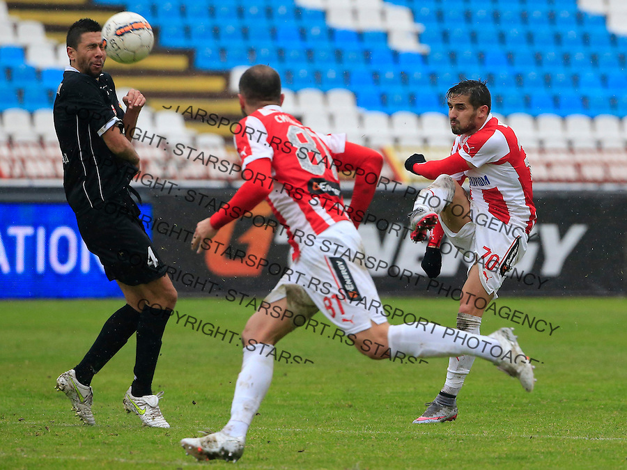 Fudbal Jelen Super League season 2015-2016<br /> Crvena Zvezda v Vozdovac<br /> Hugo Oliveira Vieira (R) and Uros Sindjic (L)<br /> Beograd, 28.11.2015.<br /> foto: Srdjan Stevanovic/Starsportphoto&copy;