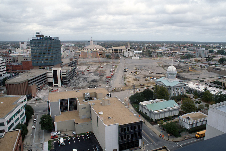 1996 November 08..Redevelopment..Macarthur Center.Downtown North (R-8)..LOOKING NORTH FROM MAIN STREET TOWER...NEG#.NRHA#..