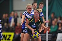 KORFBAL: GORREDIJK: Sport- en Ontspanningscentrum Kortezwaag, 27-11-2013, LDODK - AKC BLAUW WIT, Eindstand 25-28, Fenje Haenen (#5   AKC), Marjon Visser (#1   LDODK), ©foto Martin de Jong