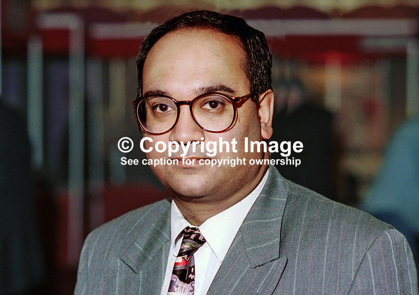Keith Vaz, Labour Party, MP, Britain, UK. Picture taken at Annual Labour Party Conference - Blackpool, England. Ref: 199409027..Copyright Image from Victor Patterson, 54 Dorchester Park, Belfast, UK, BT9 6RJ..Tel: +44 28 9066 1296.Mob: +44 7802 353836.Voicemail +44 20 8816 7153.Skype: victorpattersonbelfast.Email: victorpatterson@mac.com.Email: victorpatterson@ireland.com (back-up)..IMPORTANT: If you wish to use this image or any other of my images please go to www.victorpatterson.com and click on the Terms & Conditions. Then contact me by email or phone with the reference number(s) of the image(s) concerned.
