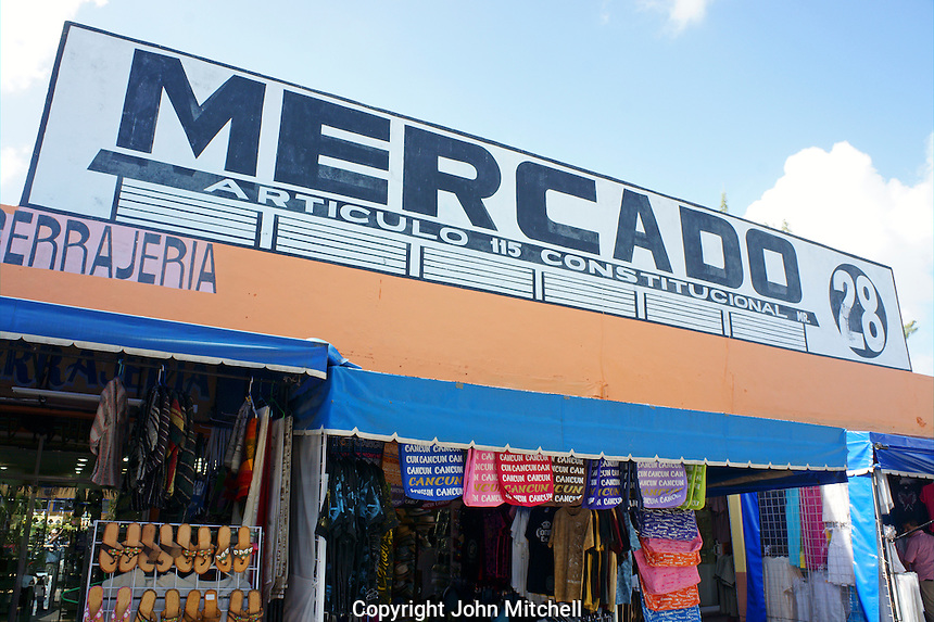 Mercado 28 souvenirs and handicrafts market in  Cancun, Mexico      .