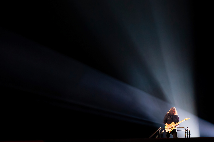 "Dave Kilminster, guitarist, plays ""Comfortably Numb"", Roger Waters' The Wall Live (an audio visual specatacle including 3D Animation and pyrotechnics) at the Pepsi Center, Denver, Colorado USA"