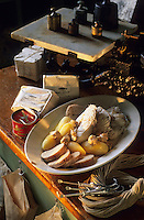 "Europe/Norvège/Iles Lofoten/Svolvaer : Restaurant ""Svinoya Borsen Rorbuer"" - Skrei-cabillaud poché avec ses oeufs et huile de foie de morue"