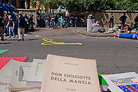 Roma 7 Maggio 2015<br /> Sgomberato questa mattina dalle forze dell'ordine lo spazio sociale occupato SCUP,le ruspe hanno abbattuto porte e finestre e reso inagibile  la palestra, la ludoteca, la biblioteca, e la scuola popolare di musica. L'edificio era occupato da tre anni. Oggetti, libri, attrezzi da palestra, computer in strada.	<br /> Rome May 7, 2015<br /> Vacated  this morning by police,  the social  space occupied SCUP, the bulldozers have knocked down doors and windows and rendered unusable gym, game room, library, popular school of music. The building was occupied by three years. Toys, books, fitness equipment, computer, in  street.