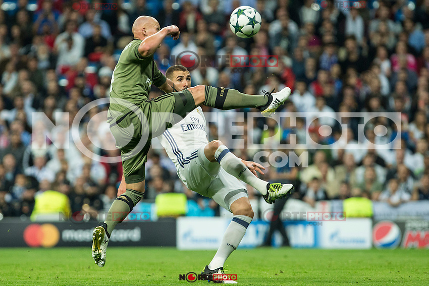 Guilherme Real Madrid's Karim Benzema during the match of UEFA Champions League group stage between Real Madrid and Legia de Varsovia at Santiago Bernabeu Stadium in Madrid, Spain. October 18, 2016. (ALTERPHOTOS/Rodrigo Jimenez) /NORTEPHOTO.COM