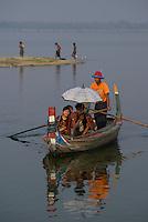 U-Bein Bridge, Amanpura, Mandalay, Myanmar/Burma