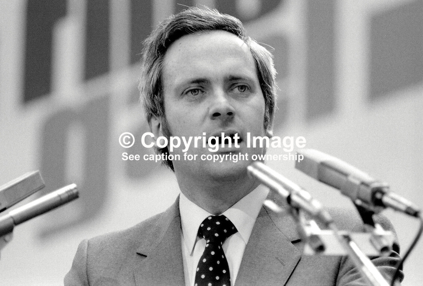 John Bruton, TD, Fine Gael, political party, Rep of Ireland, speaking at his party's annual conference, aka Ard Fheis. 198103000060JB3..Copyright Image from Victor Patterson, 54 Dorchester Park, Belfast, United Kingdom, UK...For my Terms and Conditions of Use go to http://www.victorpatterson.com/Victor_Patterson/Terms_%26_Conditions.html