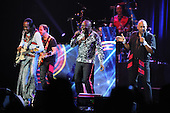 EARTH WIND AND FIRE (2014)