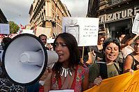 Roma 21 Settembre 2012.Manifestazione  organizzata dai «Precari uniti contro i tagli» della scuola per dire no al bando per l'assegnazione di 12mila cattedre, indetto dall ministro dell'Istruzione Francesco Profumo
