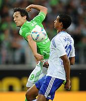 FUSSBALL   1. BUNDESLIGA   SAISON 2011/2012    5. SPIELTAG VfL Wolfsburg - FC Schalke 04                                  11.09.2011 Srdjan LAKIC (li, Wolfsburg) gegen Joel MATIP (re, Schalke)