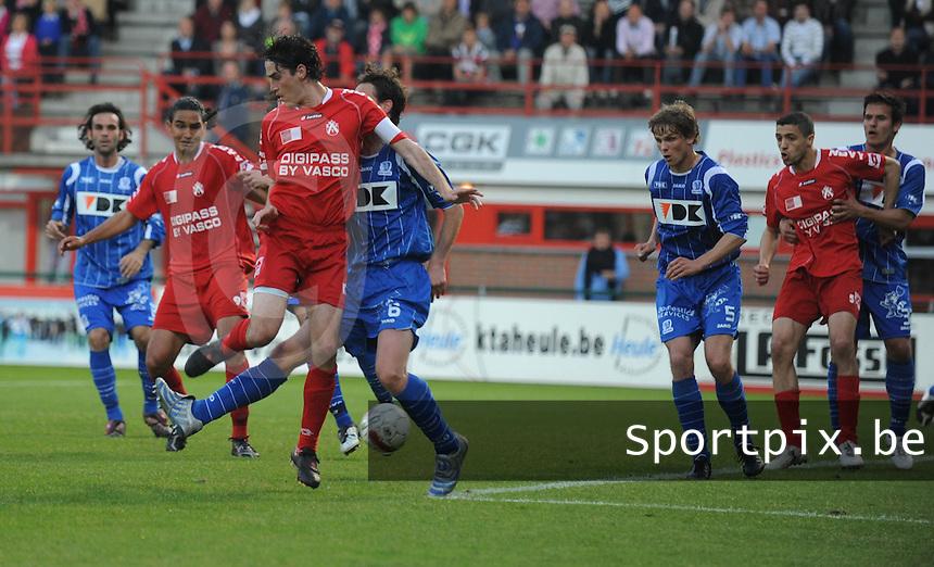 KV Kortrijk - AA Gent.een hakje van Brecht Verbrugghe.foto David Catry / VDB
