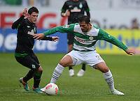 Fussball 1. Bundesliga :  Saison   2012/2013   9. Spieltag  27.10.2012 SpVgg Greuther Fuerth - SV Werder Bremen Zlatko Junuzovic (li, SV Werder Bremen)   gegen Goncalves de Edu  (Greuther Fuerth)