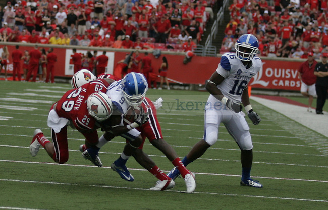 The University of Kentucky Wildcats played the University of Louisville Cardinals on Sunday, Sept. 2, 2012 in Papa John's Stadium in Louisville, Ky. Photo by Latara Appleby | Staff