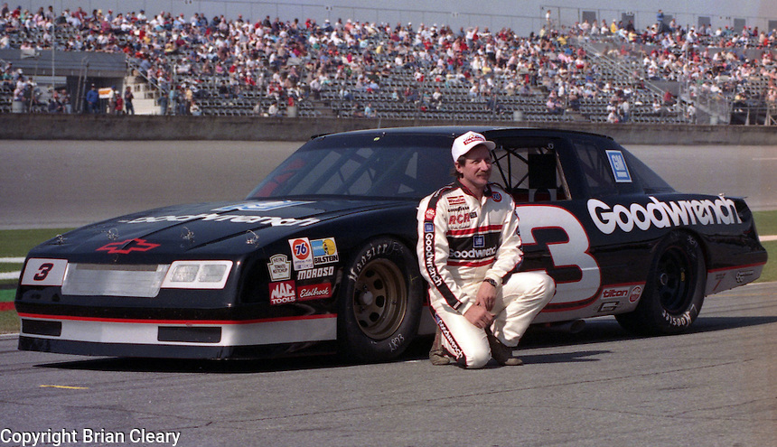 Dale Earnhardt Daytona 500 at Daytona International Speedway on February 19, 1989.  (Photo by Brian Cleary/www.bcpix.xom)