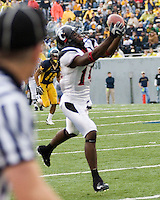 11 November 2006: Cincinnati Bearcats wide receiver Earnest Jackson..The West Virginia Mountaineers defeated the Cincinnati Bearcats 42-24 on November 11, 2006 at Mountaineer Field, Morgantown, West Virginia..