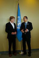 U.N. Secretary-General Ban Ki-moon (R ) speaks with American actor Robert Redford before his address on climate change at U.N. headquarters in New York.  06/29/2015. Eduardo MunozAlvarez/VIEWpress