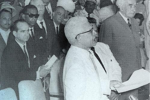 Juan Bosch, el día de su juramentación como presidente, el 27 de febrero de 1963.