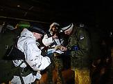 """Im Osten Estlands, in der Nähe der Stadt Narwa an der russischen Grenze, veranstaltet der """"Nationale Verteidigungsbund"""" (""""Kaitseliit""""), der dem Freiwilligenverband der Streikräfte angehört, einmal im Jahr ein militärisches Überlebenstraining. Immer mehr Est*innen lassen sich zu wehrhaften Bürger*innen ausbilden. Die russische Aggression und hybride Kriegsführung in der Ukraine hat im Baltikum alte Ängste geweckt."""