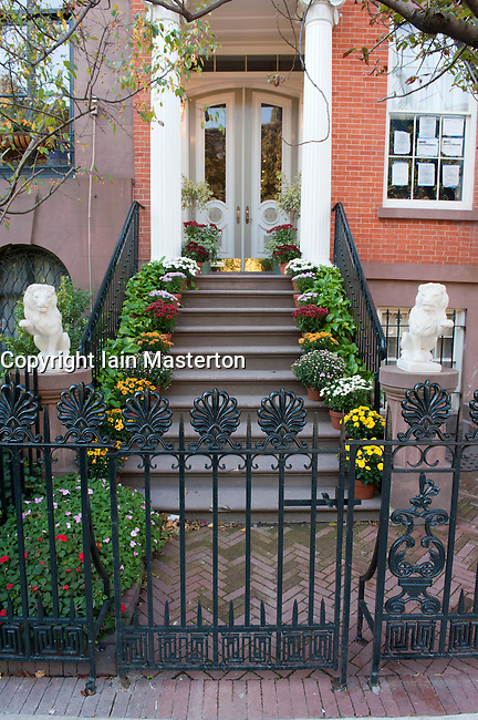 entrance to apartment building in chelsea district of manhattan new york city iain masterton. Black Bedroom Furniture Sets. Home Design Ideas
