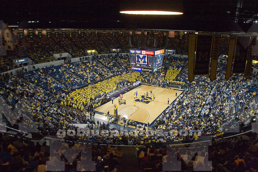12/6/08 Men's basketball vs. Duke at Crisler Arena.  Michigan beat the Blue Devils 81-73.  Time lapse remote camera.