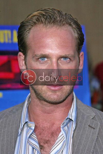 Josh Lucas<br /> at the &quot;Rize&quot; Los Angeles Premiere, The Egyptian Theatre, Hollywood, CA 06-21-05<br /> Jason Kirk/DailyCeleb.com 818-249-4998