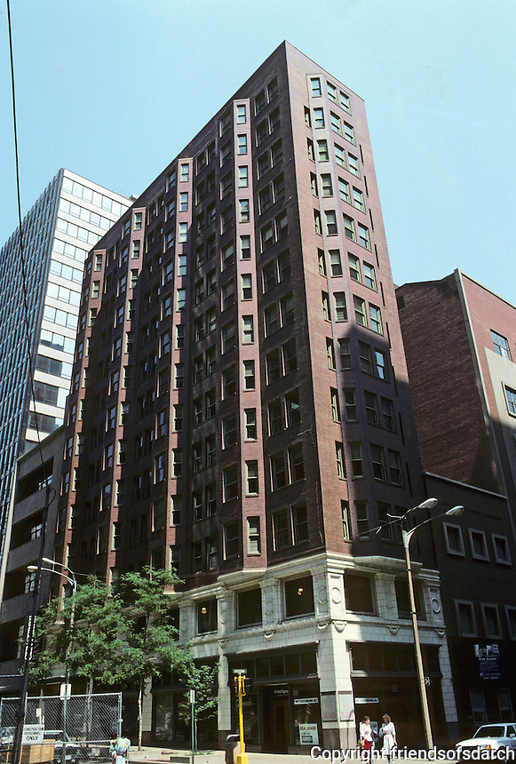 """St. Louis: LaSalle Building, corner of Broadway and Olive. Characteristic oriel windows. Photo """"88."""