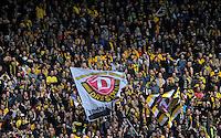 Fussball, 2. Bundesliga, Saison 2011/12, SG Dynamo Dresden - Eintracht Braunschweig, Samstag (07.04.12), gluecksgas Stadion, Dresden. Dresdens Fans im K Block.