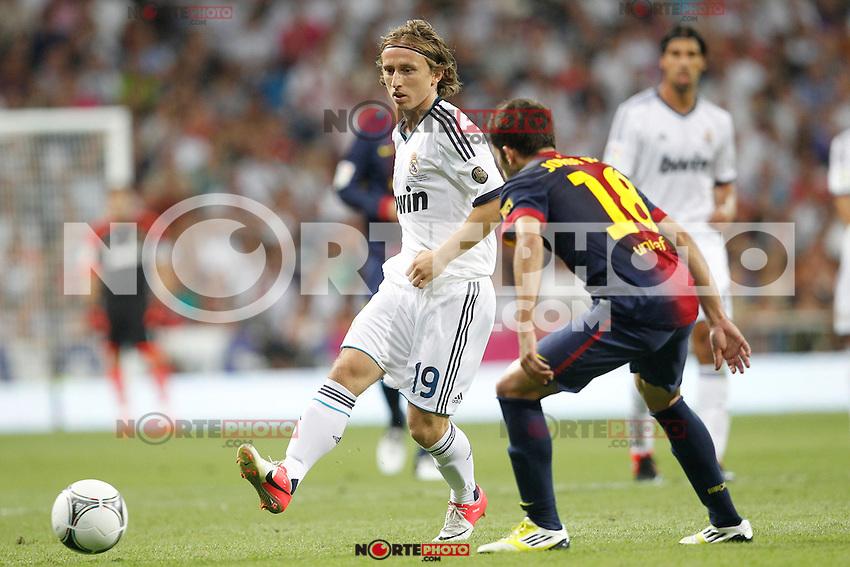 Real Madrid's Luka Modric and F.C. Barcelona's Jordi Alba during Spanish Supercup 2nd match on august 29 2012...Photo: Cebola / Cid-Fuentes / ALFAQUI /NortePhoto.com<br /> <br /> **CREDITO*OBLIGATORIO** <br /> *No*Venta*A*Terceros*<br /> *No*Sale*So*third*<br /> *** No*Se*Permite*Hacer*Archivo**<br /> *No*Sale*So*third*