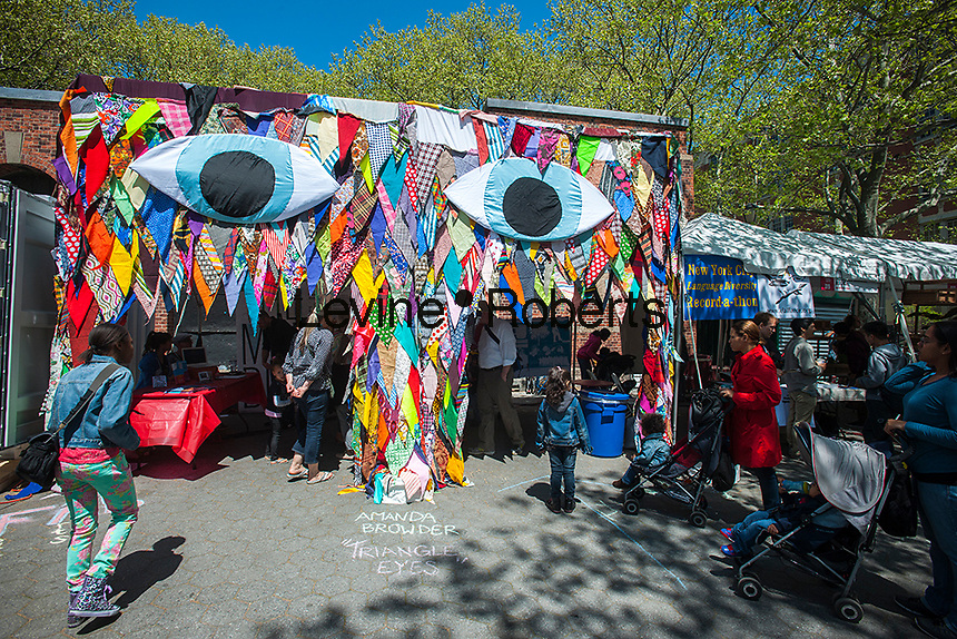 "The ""Ideas City"" street festival in the Lower East Side of New York on Saturday, May 4, 2013. The festival organized by the New Museum, explores the future of cities with exhibits from groups involved in the arts, education and the environment all presenting their avant-garde ideas.  (© Richard B. Levine)"