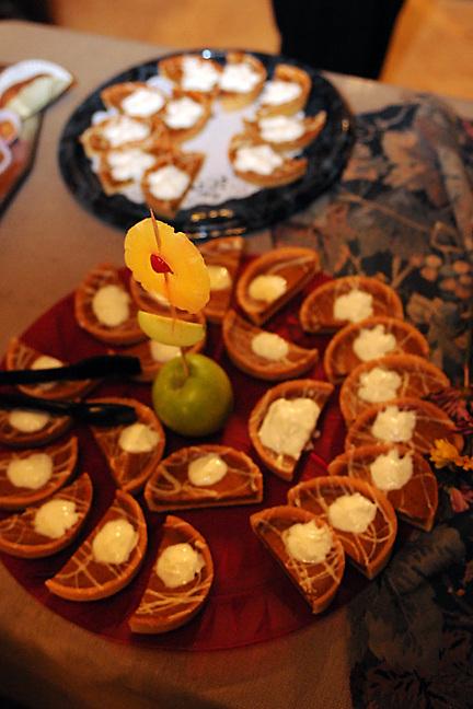 The Alliance de Sacramento's 9th Annual Fete du Beaujolais Nouveau, Antiquité Maison Privée, Sacramento, California, Saturday, November 20, 2010. (photo by Pico van Houtryve)