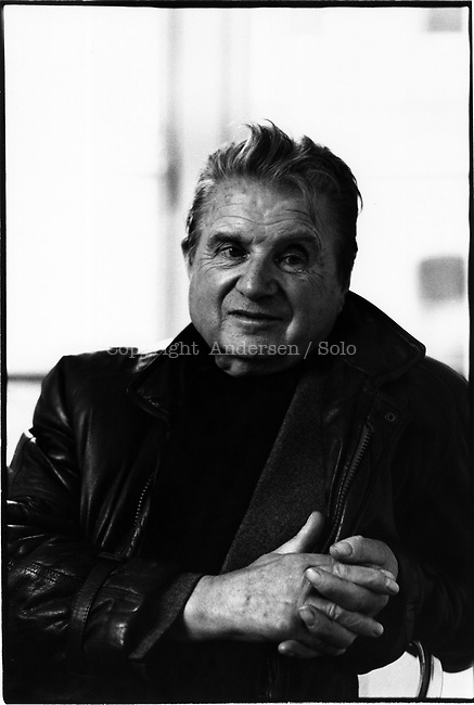 English painter Francis Bacon poses in Galerie Maeght Lelong in january 1984 in Paris, France.