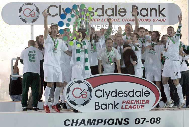 Celtic take the title and win the league during the Dundee United v Celtic SPL Clydesdale Bank Scottish Premier League match at, DundeeUniversal News And Sport (Scotland) 22 May 2008............ ........... .