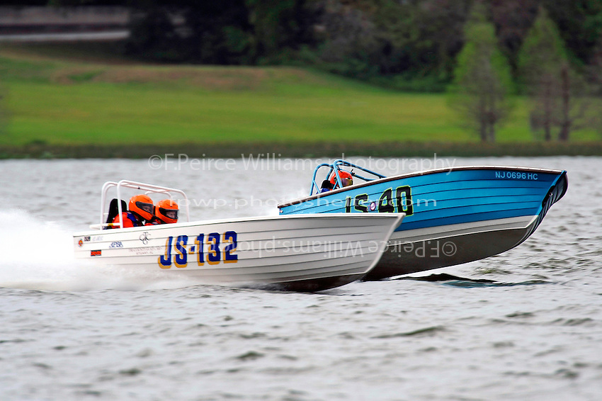 "JS-40 ""Deja Vu'"" and JS-132 race for the lead.    (Jersey Speed Skiff(s)"