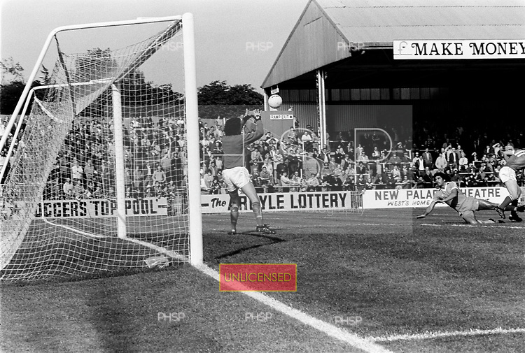 29/09/1979 Plymouth Argyle v Blackpool Division 3...© Phill Heywood.