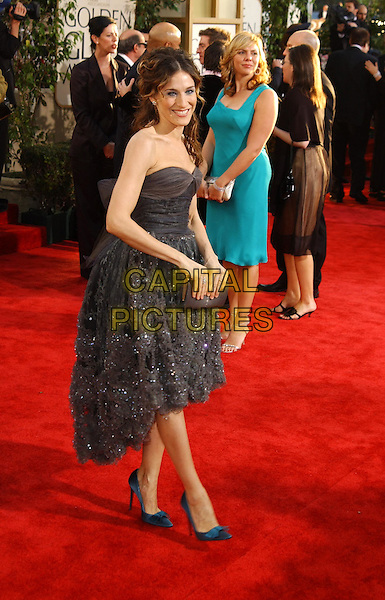 SARAH JESSICA PARKER.61st Annual Golden Globe Awards.25 January 2004.full length, full-length, strapless grey lace dress, cocktail, stilettos, heels.www.capitalpictures.com.sales@capitalpictures.com.©Capital Pictures.