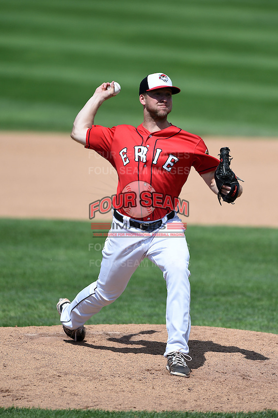 Erie Seawolves pitcher Guido Knudson (33) delivers a pitch during a game against the Binghamton Mets on July 13, 2014 at Jerry Uht Park in Erie, Pennsylvania.  Binghamton defeated Erie 5-4.  (Mike Janes/Four Seam Images)